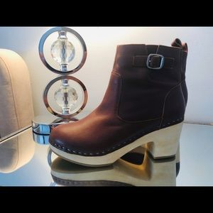 Ladies Swedish Style Clog Boots